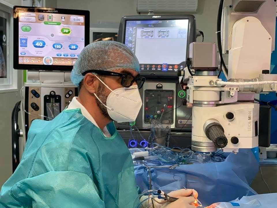 video chirurgie ochi)